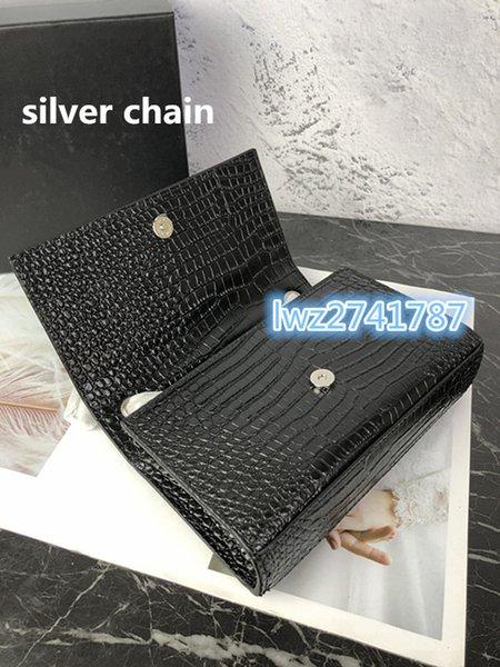 preto com corrente de prata