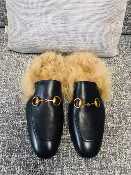 2019 new high quality fashion society Princetown slippers are made of leather, fully lined with wool plush embroidery and horsebits for men'