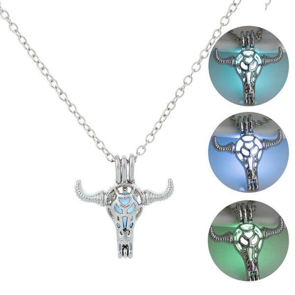 Moda Luminoso cabeza de toro Collares pendientes Para las mujeres Glow In The Dark jaula de piedra Medallones abiertos Cadenas de plata Joyería a granel