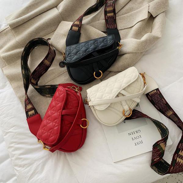 Rhombic Saddle Bag Women Lady Deluxe Bags Travel Popular Saddle Handbag Shoulder Work Make-up Bag Classic Design