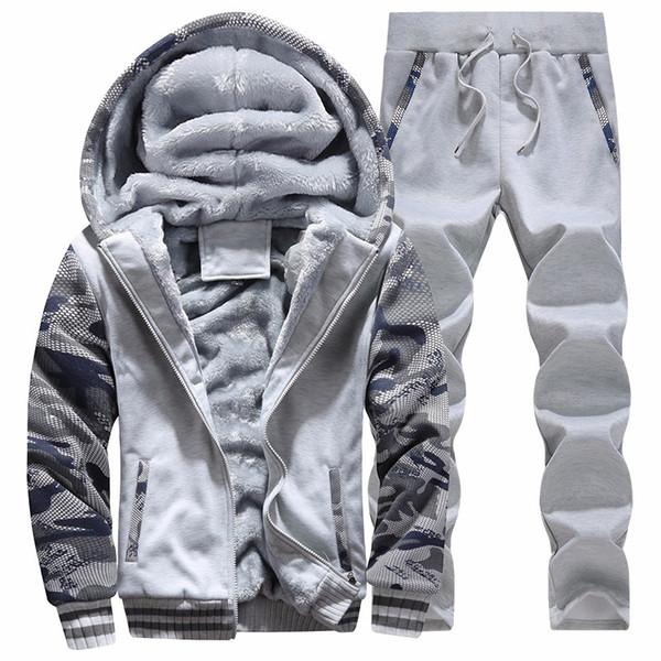 Hot 2018 terninho é real CHANDAL homens solteiros Conforto Outono Inverno Marca de Fitness camisola + Sweatpants completa Hoodies grossas