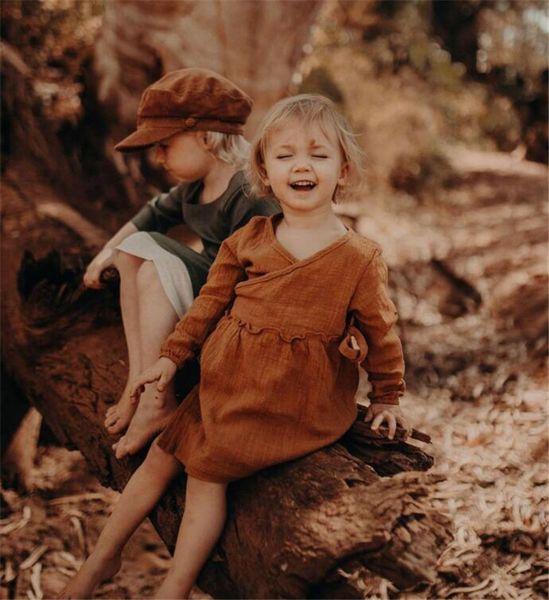 Quality Newest INS Little Girls Linen Cotton Dresses Blank V-neck Straps Wasit Long Sleeve Spring Autumn Children Girls Dresses for 1-6T