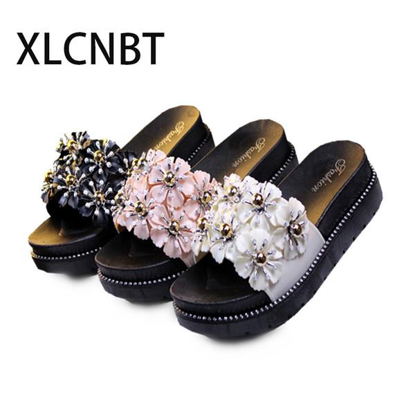 Zapatos de verano Flor de mujer Sandalias Zapatillas Sandalias para mujer Con tacones Diapositivas de plataforma Sandalia encantadora de las mujeres Negro lindo