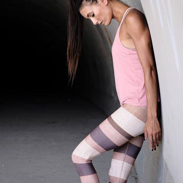 2019 Gym Trainning Women Yoga Pants Tight Colorful Stripe Print Splicing Sports Hips Waist High Waist Slim Milk Silk Leggings