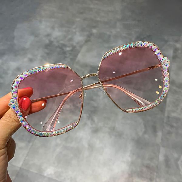 렌즈 색상 : 핑크