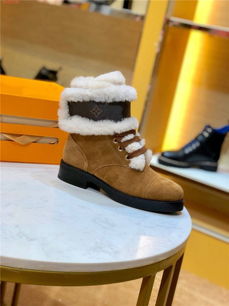Autumn winter women classic Letter vintage patterned leather ankle boots Lady Genuine leather low-heeled Martin boots
