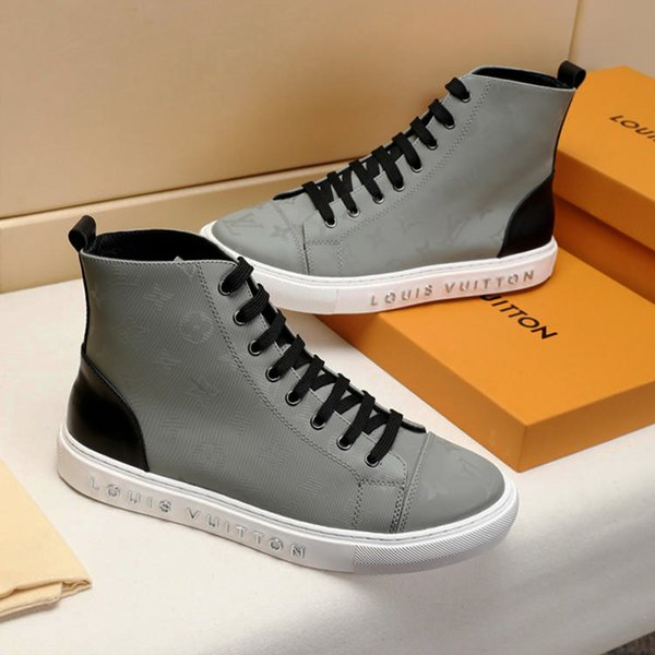 Fashion Mens Shoes Boots Footwears Zapatos de hombre Sports with Original Box Chaussures pour hommes M51 Mens Boots Ankle High Top Style