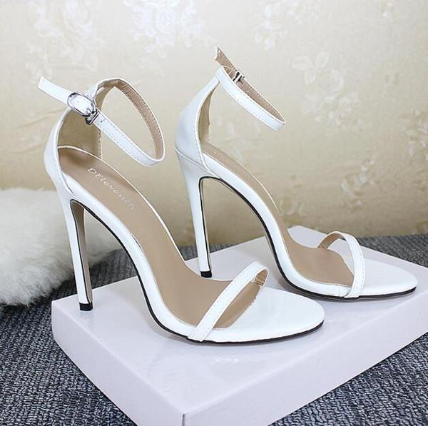 Moda sandalias puntiagudas de alta calidad PU charol damas tacones altos bolsa con hebilla partido banquete zapatos de las mujeres