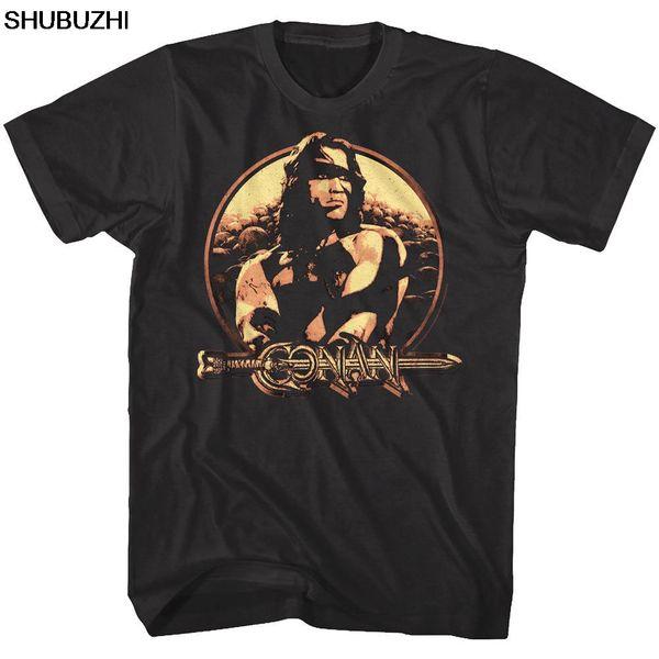 Maglietta per uomo Conan the Barbarian Vintage Metallic Shield Schwarzenegger Divertente Spedizione gratuita Molti top classici di alta qualità