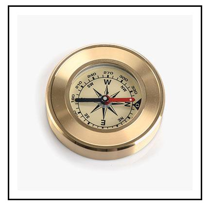 Damping oil mountaineering outdoor pure copper flip a compass Behind the outdoor multifunctional metal compass With a luminous pocket watch
