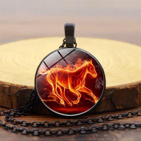 2019 Moda Colgante Creativo Artículo Cadena Fire Horse Time Collar de Piedras Preciosas Exquisito Cúpula de Cristal Collar Colgante