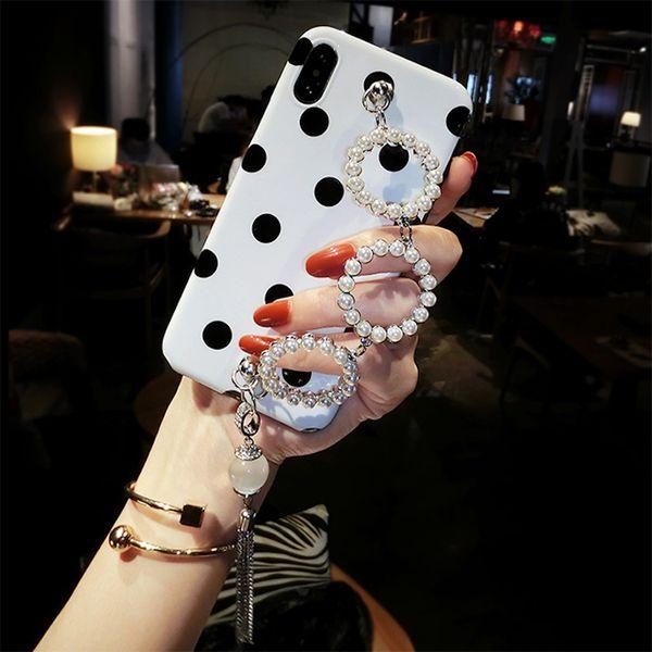 Fancy Girls pearl circle catena braccialetto pelliccia pompon metallo nappa onda cassa del telefono molle per iPhone 6 6s 7 8 plus X XS MAX XR