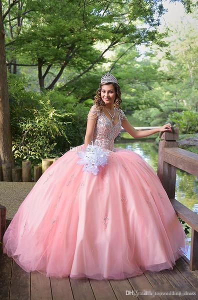 2019 Cristais de strass rosa vestido de baile Quinceanera vestidos até o chão mangas curtas V Neck Lace up volta doce 16 babados Prom vestidos