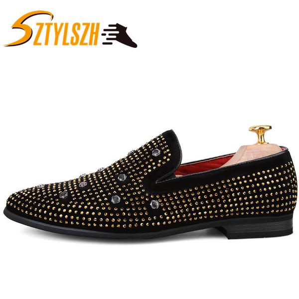 Nuevo estilo Hombre Zapatos de diamantes dorados Pisos de cuero genuino de moda para hombre Mocasines de diamantes de imitación masculinos Zapatillas de fumar