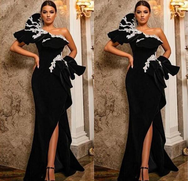 2020 Parti moderne Noir longue fendus Sexy Robes de soirée avec des perles Sash Une robes de bal manches plafonnés