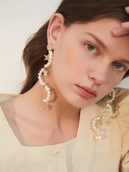 Women Pearls Star Irregular Personality Earrings New Temperament Fashion Tide All-match Spring Autumn 2019 13E529