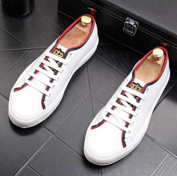 Homens de alta Qualidade Moda Alta Top Estilo Britânico Rrivet Causal Luxo Sapatos Homens Red Gold Black Bottom Shoes shoes mens