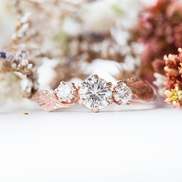 Simple Leaf Crystal Rings For Women Female Chic Dainty Thin Rings Party Delicate Rings Golden Wedding Bijoux O4m045