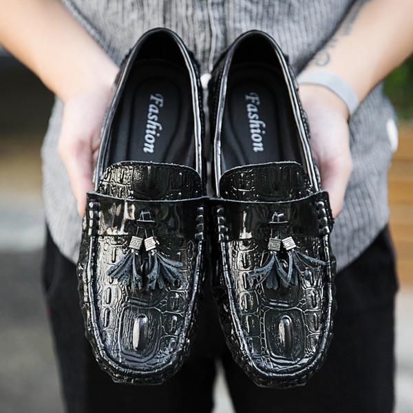 Mens Designer Casual Loafers Mocassin Homme Tassel Man Moccasins Black Spring Autumn Leather Slip On Shoes Men Flats Car Driving Shoes 2019