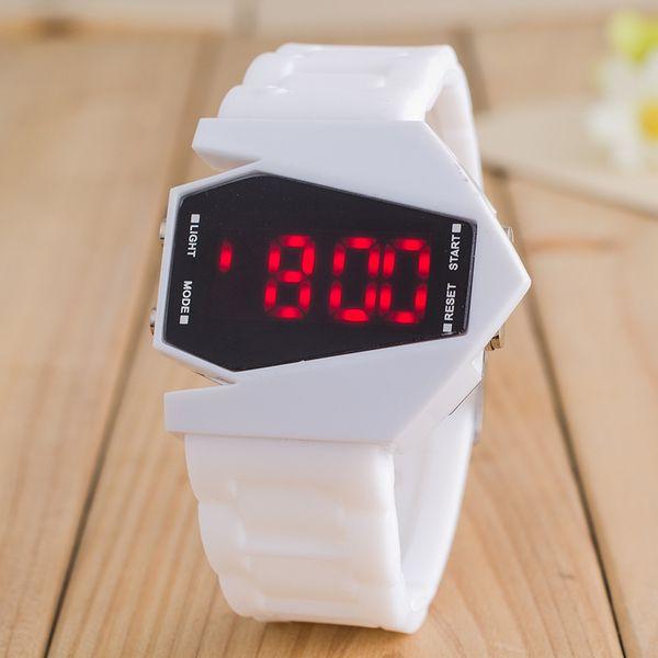 Aliexpress desejo estilo quente aeronaves forma LED relógio eletrônico homem multi - cor gel de sílica relógio de quartzo fabricante lote