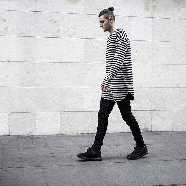 Кривая Нижняя новый палец отверстие манжеты с длинным рукавом Tyga Хабар стиль человек хип-хоп топ футболка экипаж футболка мужская одежда Одежда