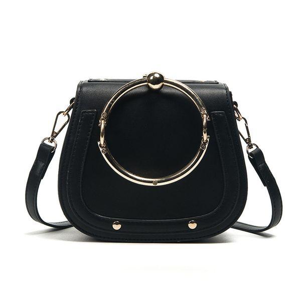 검은 색 핸드백
