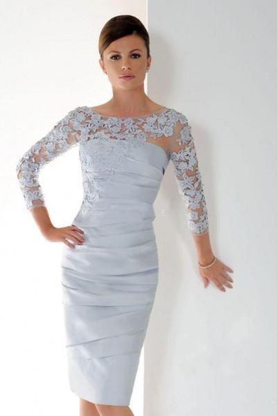 Pas cher 2020 Applique dentelle Mère manches longues de la mariée Robes à encolure dégagée à volants genou longueur courte robe de mariée clients