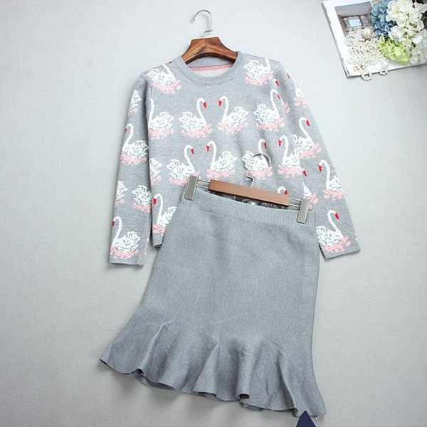 Spring and Autumn New Womens Two-piece Set Wholesale European and American Goose Double-sided Jacquard Round Neck Sweater Half-length Skirts