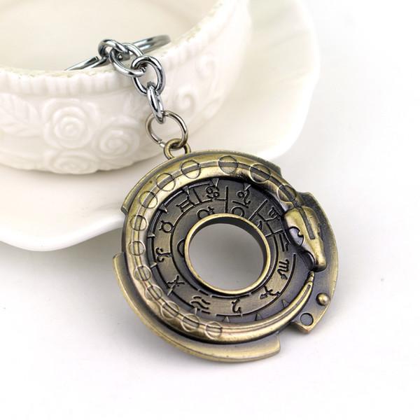 HOT Jeu Porte-clés Connor Amulet Pendentif Porte-clés Porte-clés Cosplay  Bijoux e3c3bcf65a6