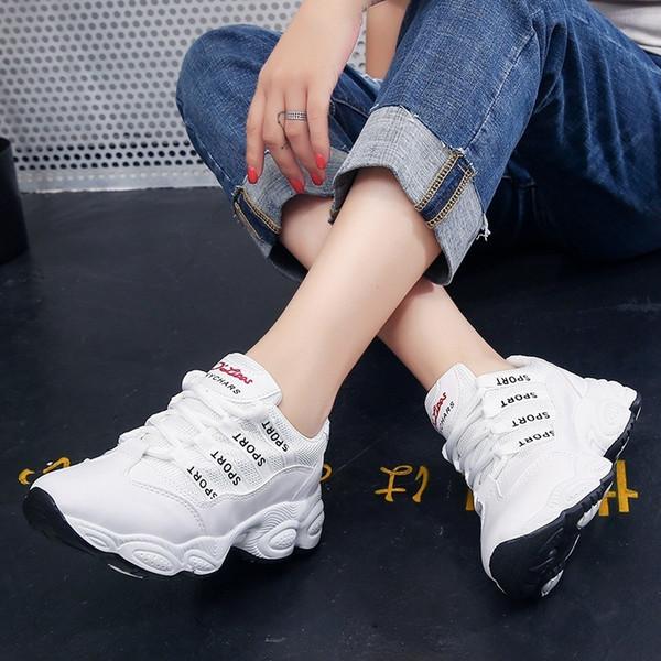 2018 Automne Nouveau modèle Temps de rue Dépasser le feu Chic Mouvement Femme Bon Femme Coréen Augmenter Tourisme Casual Bonne Chaussure Run