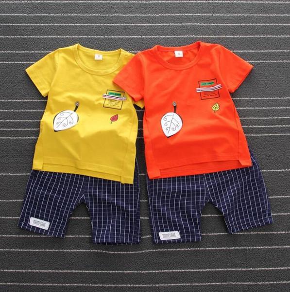 Bebê 2019 Novas Crianças De Verão 0-4 Anos De Idade Do Bebê Folha De Gola Redonda Curto-de Mangas Compridas Calças Curtas Terno De Duas Peças