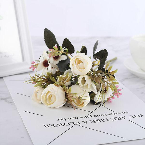 Дейзи Белые Розы