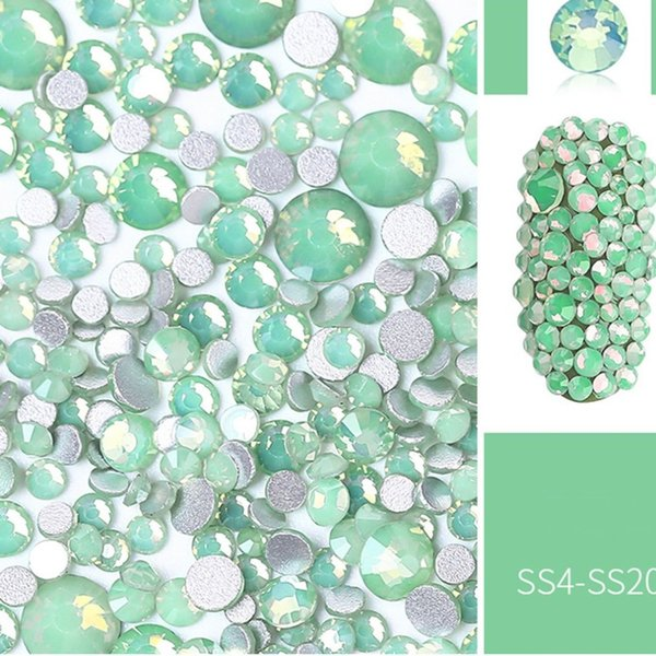 Shining Bling Round Beads Nail Art Tips Round Nail Art Glitter Paillette Tip Manicure Decorations for Professional Use