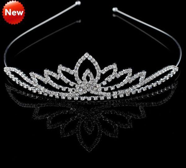 2019 flores de moda accesorios nupciales boda Tiaras Tiaras envío gratis diseñador barato adulto joven niñas Tiaras para fiesta de graduación