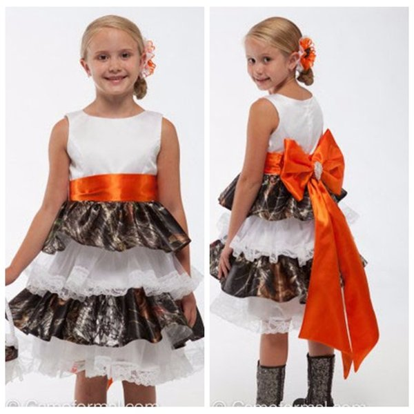 Sleeveless Camo Flower Girl Dress with Tiered Skirt Lace Trim Girl Wedding Party Dress with Big Bow(s)