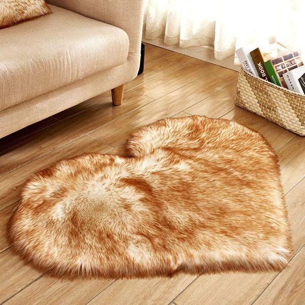 best selling Heart Pattern Carpet Wool Imitation Sheepskin Rugs Mat Faux Fur Non Slip Bedroom Tapetes Mats 40 x 50 cm