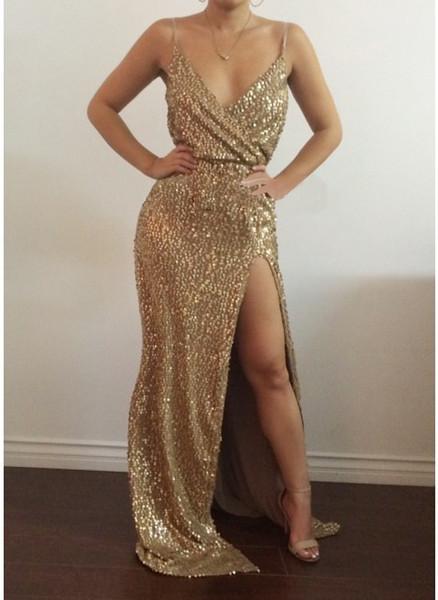 2019 robe fourreau col V sans manches en sequins dorés sans couture