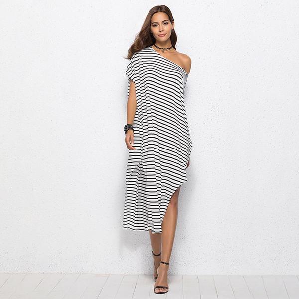 66f3d06725e7 Compre Vestido De Las Mujeres Del Verano Camisa Larga A Rayas Blanco  Vestido Ocasional Irregular Vestidos De Playa De Un Solo Hombro 2019 Más  Tamaño ...
