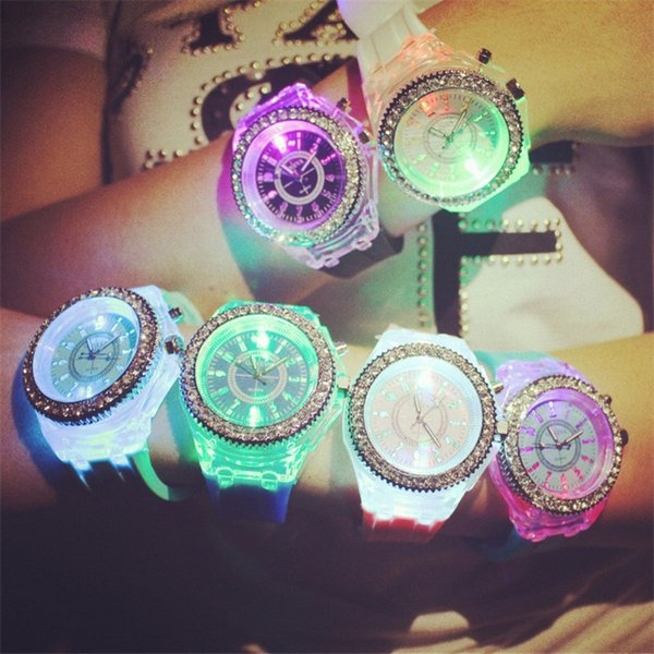 Luxury Geneva Diamond Watch Unisex LED Luminous Silicone Watches Night Light Rhinestone Crystal Wristwatch Men Women Quartz Wrist Watch