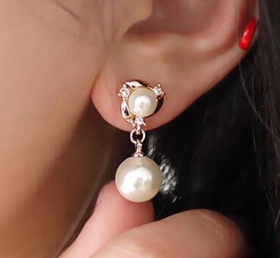 new hot Les nouveaux modèles sont polyvalents avec des boucles d'oreilles en perles d'eau douce naturelles parsemées de diamants, à la mode, classiques et élégants