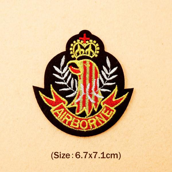 AIRBORNE (Tamaño: 6.7X7.1cm) Bricolaje Insignias de tela Parche Bordado Apliques Costura Etiqueta Insignia Ropa Pegatinas Accesorios de vestir