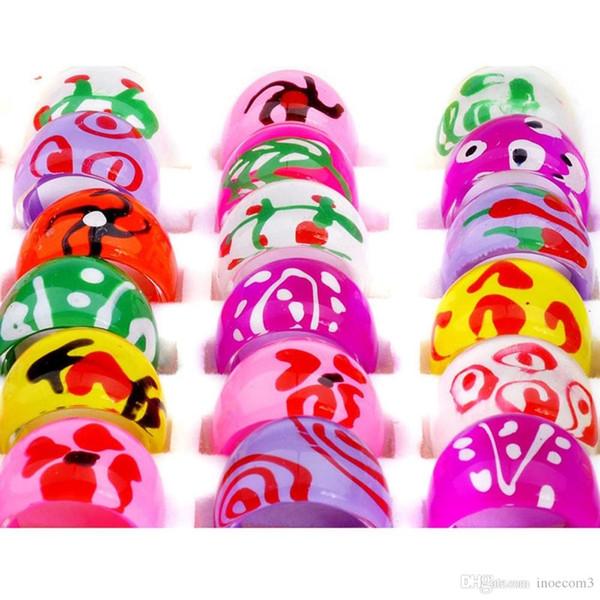 Atacado Lotes Mistos Resina Criança Argila Do Polímero Crianças Anéis De Dedo Bonito Estilo Diferente Para Crianças de Alta Qualidade