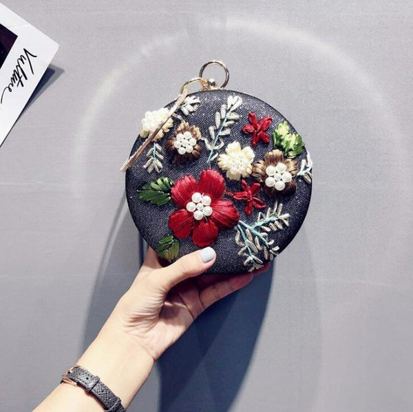 Wholesale brand women handbag original design handmade embroidery round dinner bag sweet embroidery hand chain bag fashion Pearl banquet han
