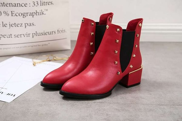 England Style Woman Pointed Toe Fashion Chunky Heel Rivet Decoration Ankle Boots Femal Elastic Band Natural Leather Classical Short Boots