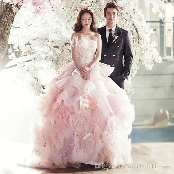 2017 New Arrive Pink Ball Gown Wedding Dresses Ruffles Applique Beads Crystal Court Train Organza China Bridal Dresses