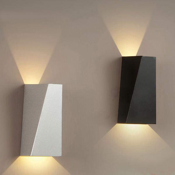 Lampada da parete di 10W LED Fixture Modern Home Albergo Ufficio della decorazione della luce AC85-265V di illuminazione del riparo ferro caldo bianco o bianco