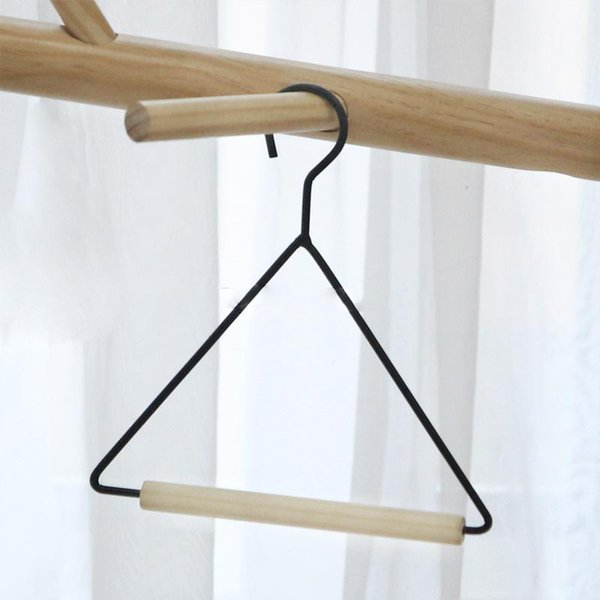 Triangle Shaped Towel Storage Rack Tissue Holder for Kitchen Bathroom Closet Wood Iron Hanger for Scarf