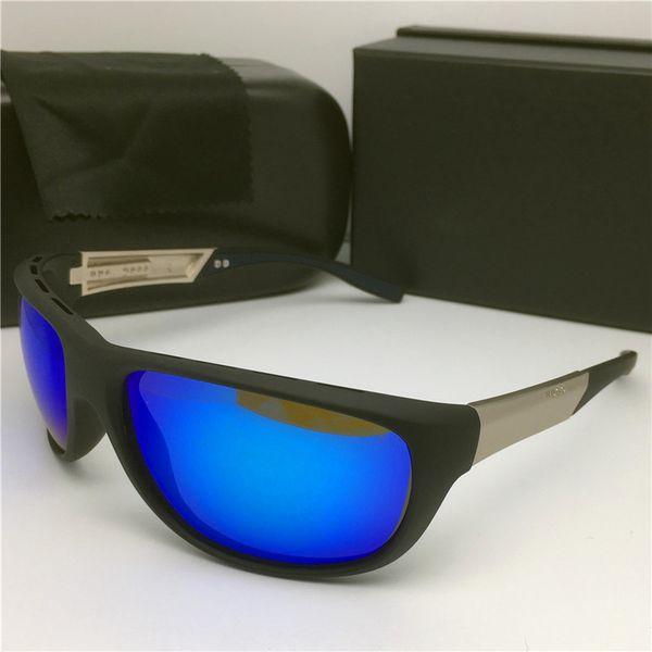 الأسود والأزرق