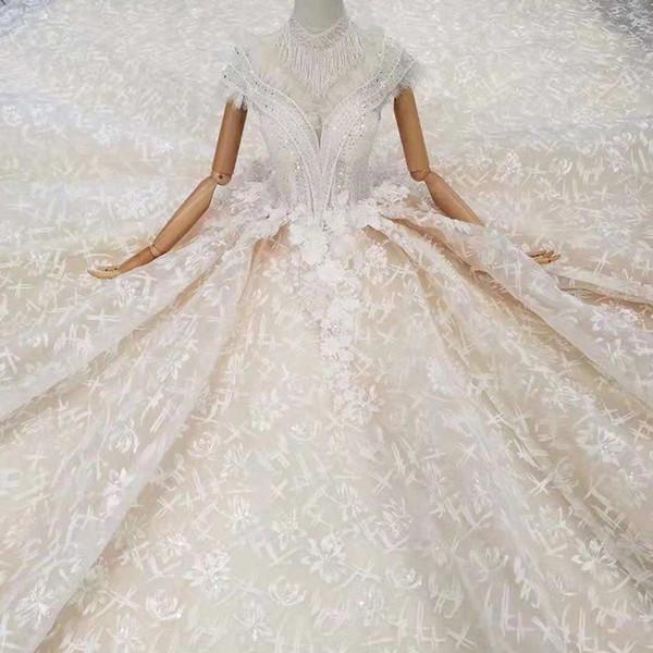 Helles Champagner-Hochzeits-Kleid-Stehkragen-Kappen-Hülsen-Troddel-Perlen-Halskette-Ballkleid-Brautkleider mit Zug 2019 neuer Art- und Weiseentwurf