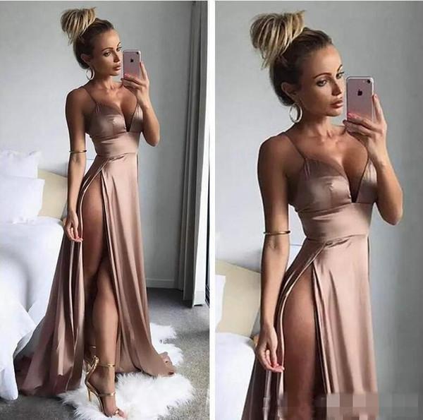 Sexy Cuisse Haute Slits Robes De Soirée 2019 Date Simple Longue Robe De Soirée Bretelles Spaghetti Profonde Col En V Une Ligne Nude Rose Robes De Bal